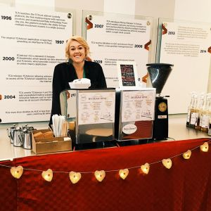 double cart with holiday skirt 300x300 - Photo Gallery - The Funky Brewster Coffee Catering